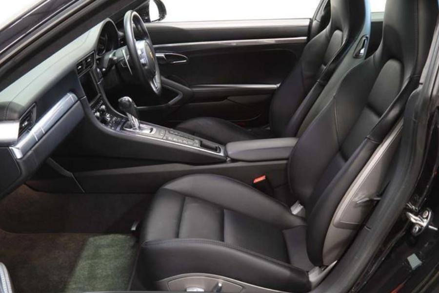 Detailing-Interior-Porsche