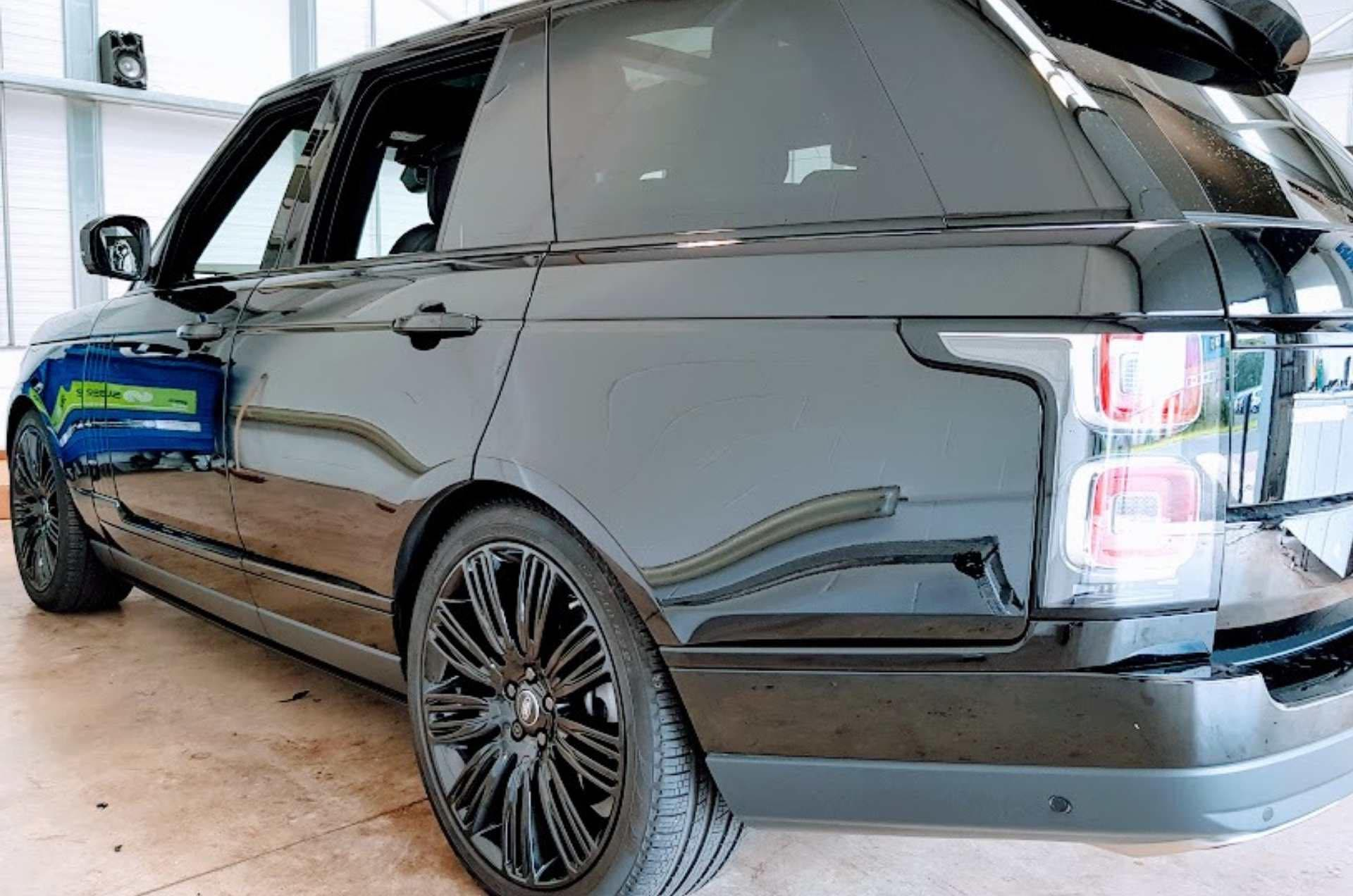 Car-detailing-newcastle-range-rover